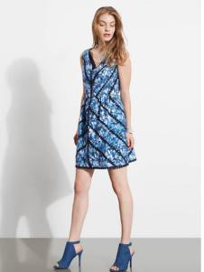 芮玛女装2016夏季新款无袖印花连衣裙