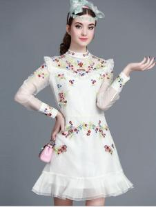 珊版丽印花连衣裙