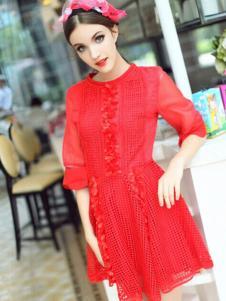 珊版丽红色连衣裙