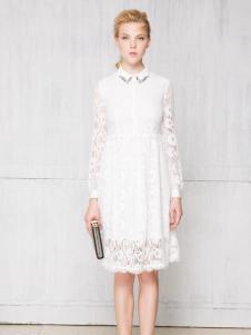 红贝缇长款白色蕾丝连衣裙