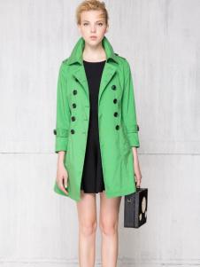 红贝缇短款绿色风衣