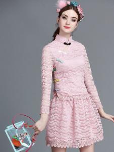 珊版丽粉色连衣裙