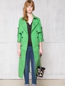 红贝缇长款绿色风衣