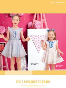 贝乐鼠时尚可爱连衣裙