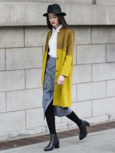 曦然黄色外套
