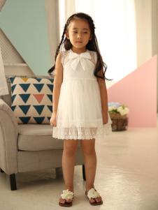 米雅星白色连衣裙