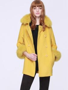 红贝缇黄色大衣