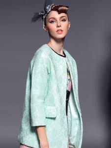 曼言服饰绿色外套