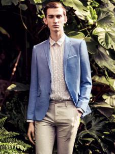 翡翠蓝色西装
