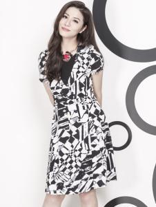 吉蒂女装黑白连衣裙 款号247660