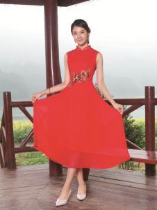 与凤齐美红色旗袍