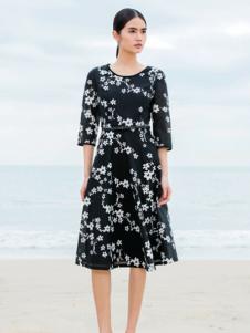佛尼亚黑色印花连衣裙