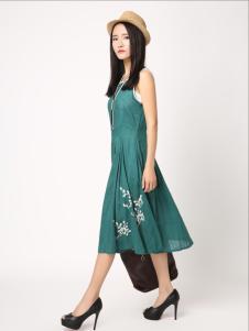 無索女装绿色连衣裙