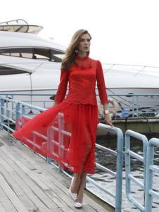 木帛红色连衣裙