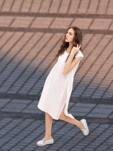 逆转女王白色连衣裙