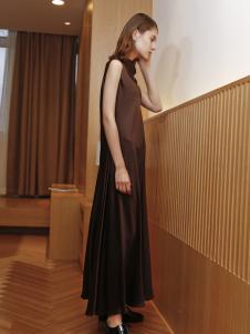 子品手则褐色连衣裙