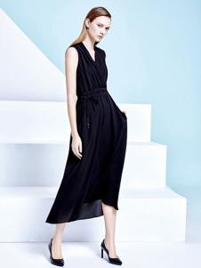 思慕緹黑色連衣裙