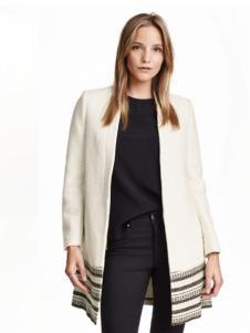 莱语女装白色外套