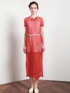 依楠红色连衣裙