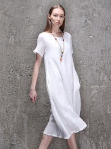 范可儿2016新品褶皱连衣裙