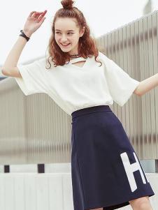 2016衣香丽影V领白色T恤