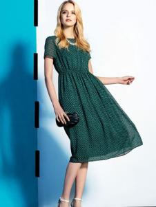 莱姿湖绿色连衣裙