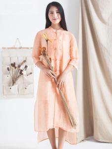 麻蚕禅杏色连衣裙