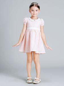 童话故事粉色连衣裙
