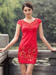华姿韵红色旗袍