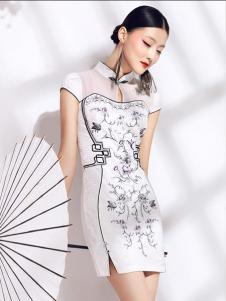 华姿韵白色旗袍