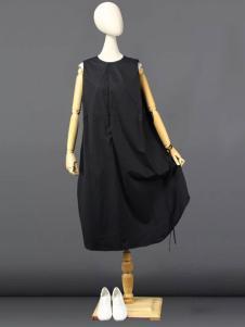 道内2016新品黑色廓形连衣裙