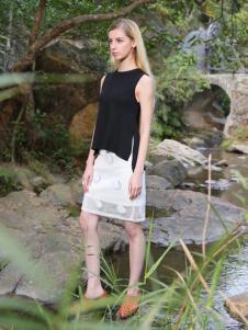2016蒙杰诗丹女装夏季新款黑色T恤