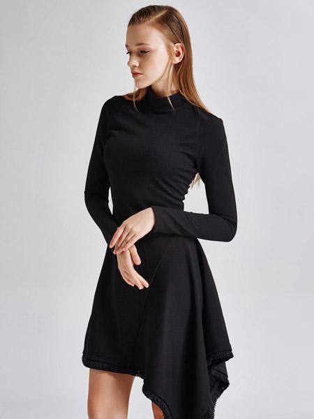 艾露伊LOEY女装打底连衣裙秋款