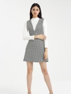 一本衣物秋季V领连衣裙