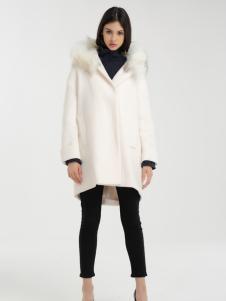 一本衣物毛领外套