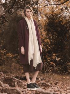 唯简尚女装新款大衣