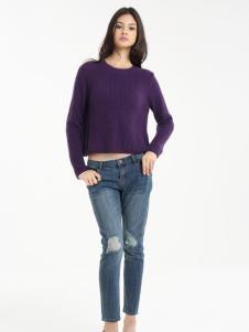 一本衣物紫色针织衫