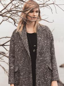 唯简尚女装秋冬新款大衣