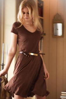戈莱薇开领连衣裙