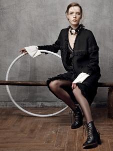 红贝缇HON.B女装时尚个性外套