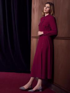 图案女装红色风衣