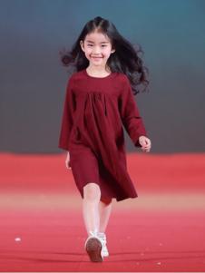 汤尼罗宾红色连衣裙
