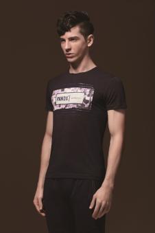 美特·华菲棕色T恤