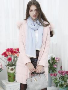 城市衣柜粉色羽绒服