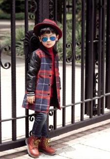 EM7男童格纹外套