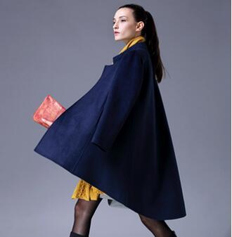 卓越的设计师团队 尹红女装加盟合作