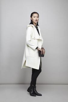 谷可女装白色外套