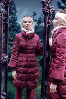 玛克茜妮红色羽绒服