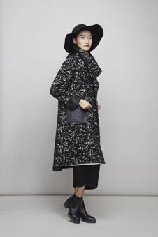 谷可女装黑色碎花外套