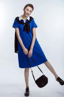 卡凡衣诺蓝色连衣裙